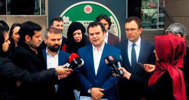 Hakarete uğrayan yazarlardan CHP liderine suç duyurusu