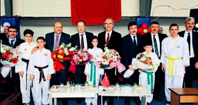 Yenişehir okul sporlarıyla şenlendi