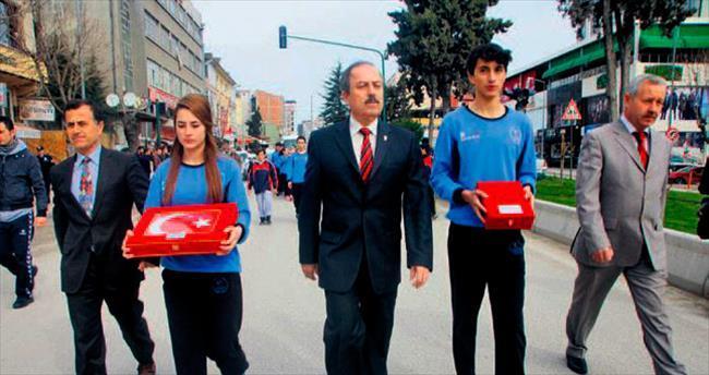 Genç atletler bayrağı Ankara'ya getiriyor