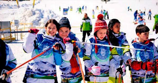 Büyükşehir ile kayak öğreniyorlar