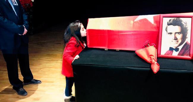Torunu Lale'nin son öpücüğüyle uğurlandı