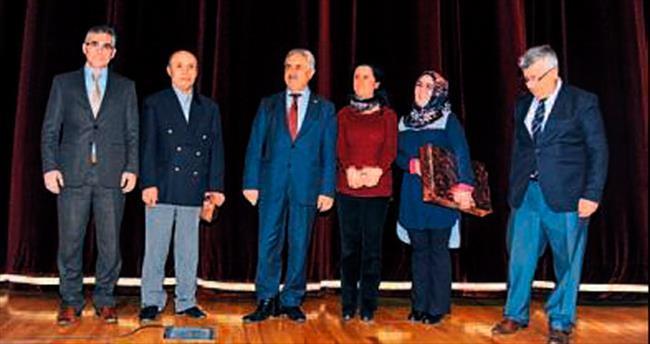 Altındağ'da öykü ödülleri verildi