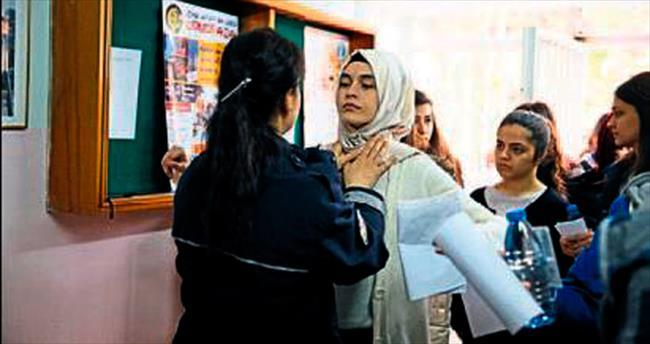 Öğrenciler terledi aileler dua etti