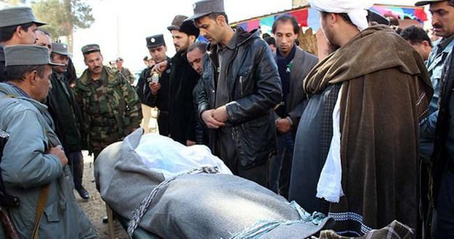 Afganistan'da protestocuların üzerine ateş açıldı