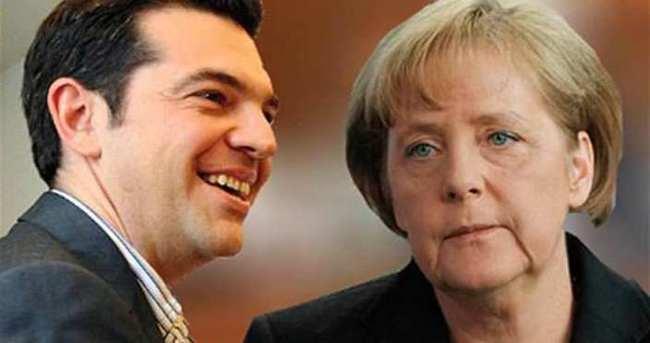 Merkel, Çipras'ı Berlin'e davet etti