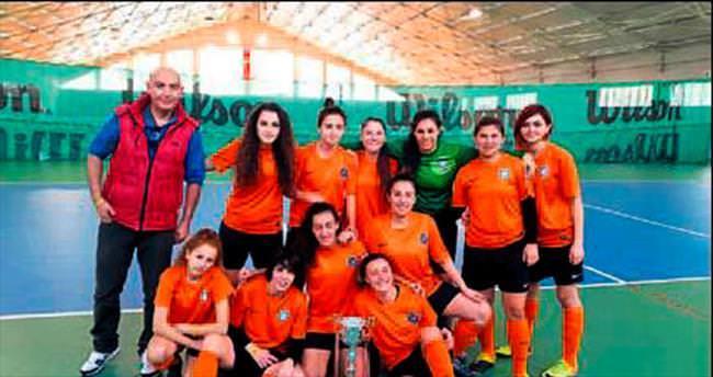 Futsalda AÜ üstünlüğü