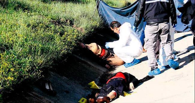 Çifte cinayeti kartvizit çözdü