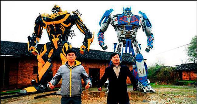 Çiftçi baba ve oglu Transformers üretti
