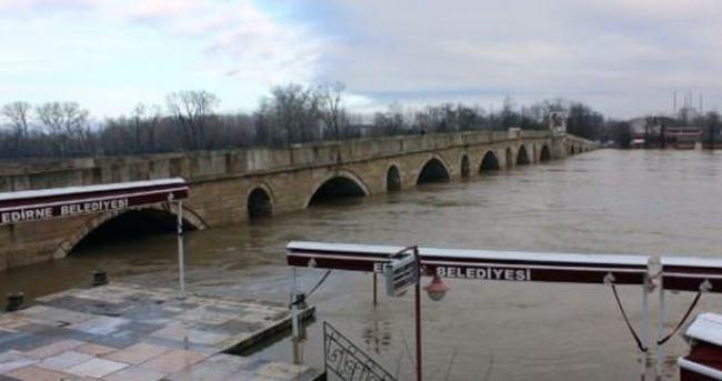 Meriç Nehri'nin debisi yükseliyor