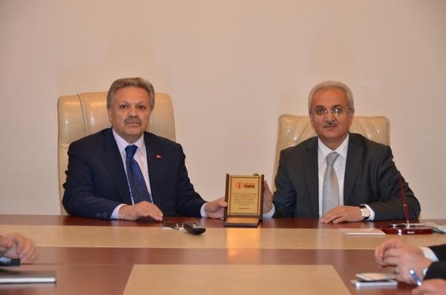 Feshane Tanıtım Günleri Değerlendirme Toplantısı Vali Kahraman'ın Başkanlığında Yapıldı