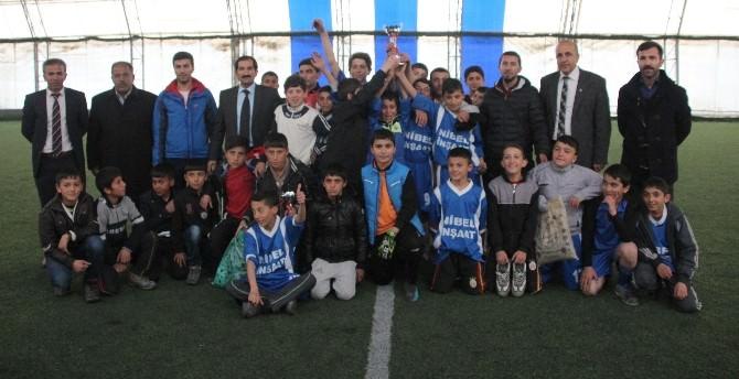 Okullar Arası Küçükler Futbol Turnuvası