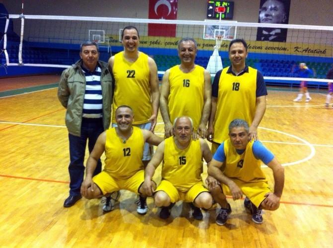 Voleybol Turnuvası'nda Belediye, Hastane-2'yi Yendi