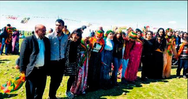 Sınırda nevruz kutlaması
