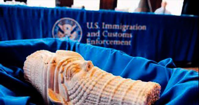 Çalınan eserler Irak'a iade edildi