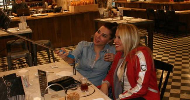 Ebru Yaşar 5 saatlik diyetini dönerle bozdu