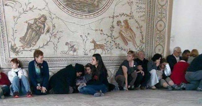 Tunus'ta rehine krizi: 19 ölü