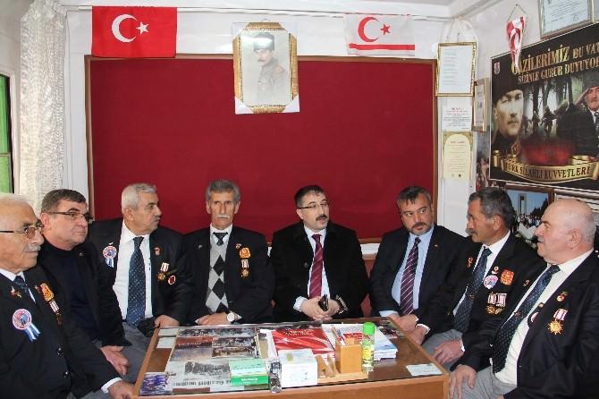 AK Parti'den Muharip Gaziler Ve Şehit Aileleri Derneğine Ziyaret
