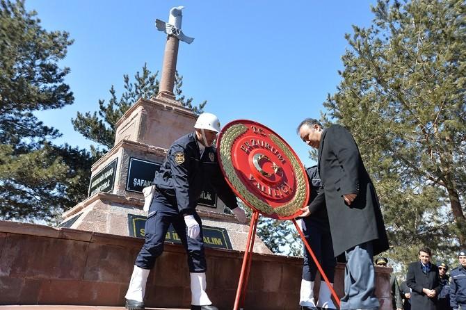 Çanakkale Zaferi'nin 100. Yıldönümü Ve Şehitler Günü Törenlerle Kutlandı