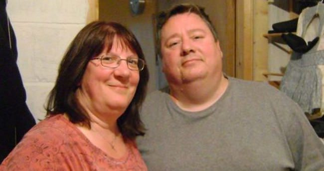 Kilolu çiftin hayatı kırılan sandalye ile değişti