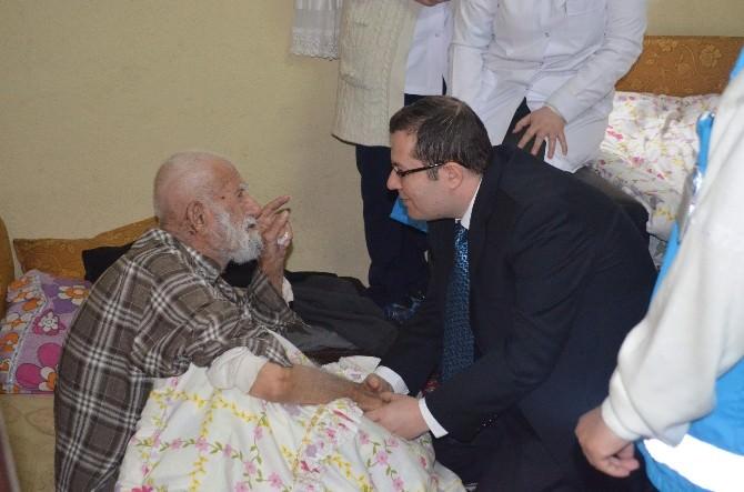 Yaşlılar Evlerinde Ziyaret Edildi
