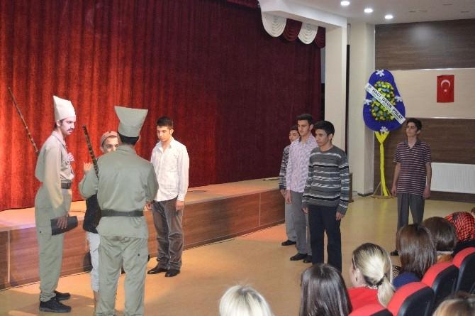 Final Okulları'nda Çanakkale Zaferi Kutlaması