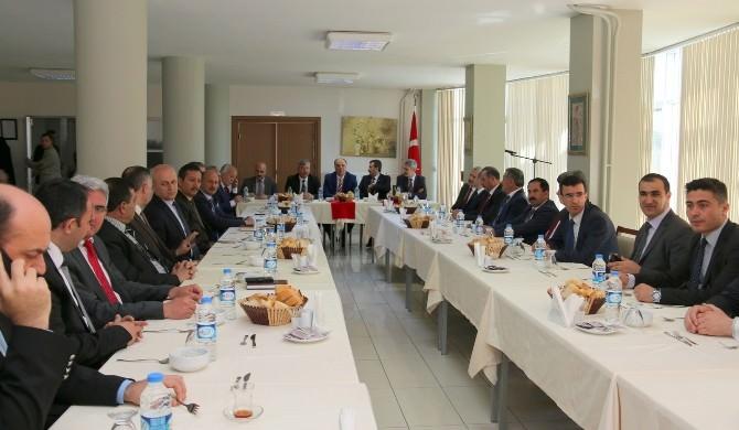 Milli Eğitim Müdürleri Saruhanlı'da Toplandı