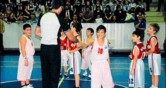 Büyük Kolej'de basket şov