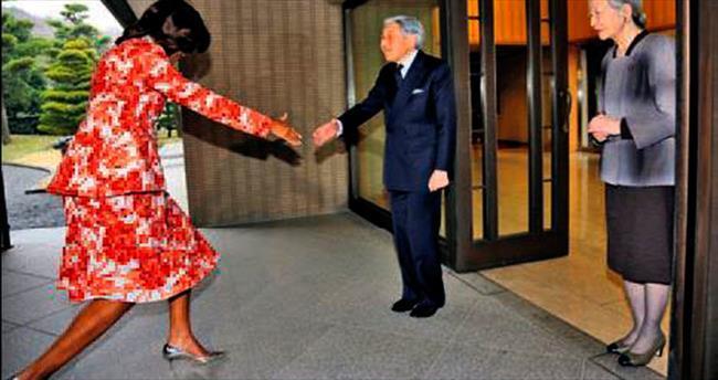 Michelle Obama'nın selamlaşma imtihanı