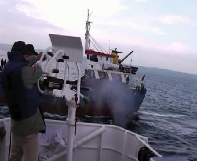 Operasyon Yapılan Kaçak Göçmen Gemisinin Yeni Görüntüleri Ortaya Çıktı