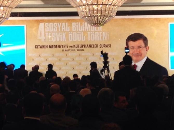 Dr. İsmail Gündoğdu, AK Parti'nin Ödül Töreni'ne Katıldı