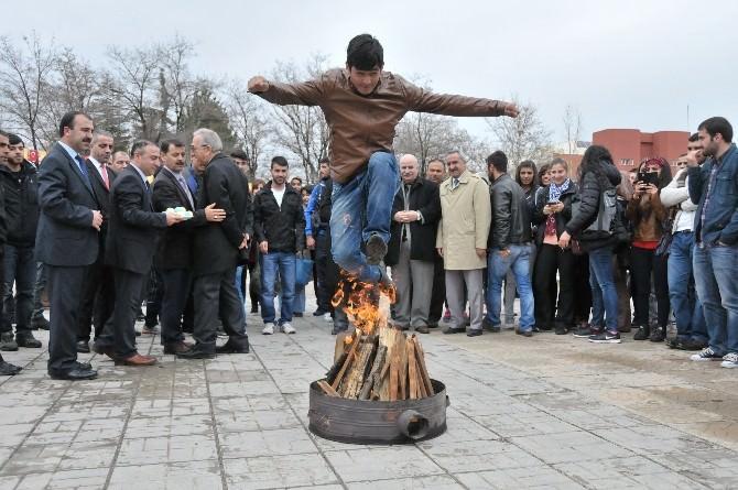 Nevruz Bayramı, İnönü Üniversitesi'nde Coşkuyla Kutlandı