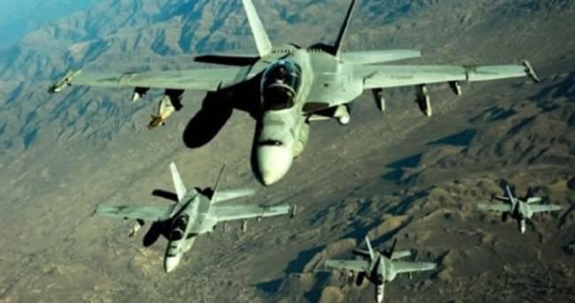 Savaş uçakları havaalanını bombaladı