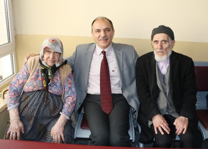 Bursagaz'dan Yaşlılara Moral Ziyareti