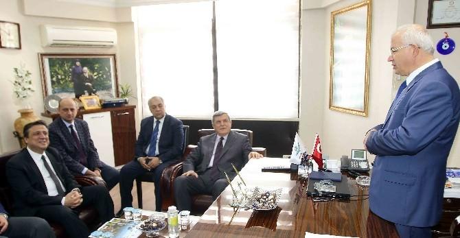 Başkan Karaosmanoğlu İzmir'de