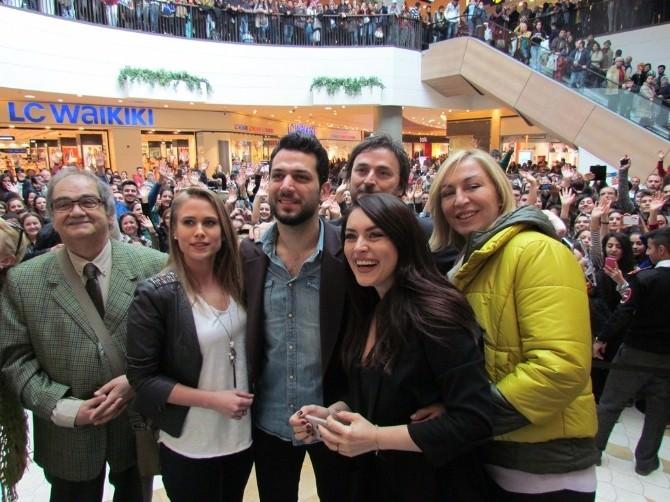 'Kocan Kadar Konuş'a İzmir'de Muhteşem Gala