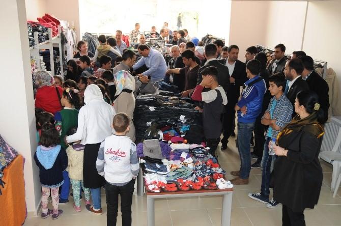 Mersin'den Türkmenlere Yardım Eli