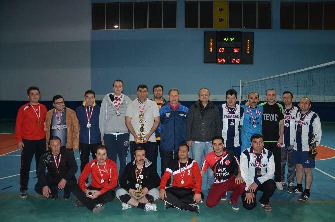 Tosya Voleybol Turnuvası Şampiyonı Milli Eğitim Oldu