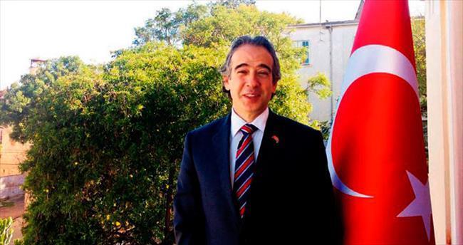 Bir diplomattan aşk romanı: İzmirli