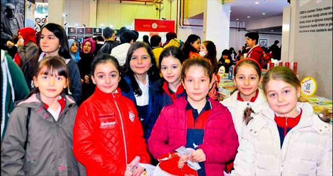 Kitap kurdu 'Sınav' öğrencileri fuar gezdi