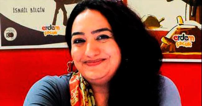 Suriyeli yazar Hajo kitaplarını imzaladı