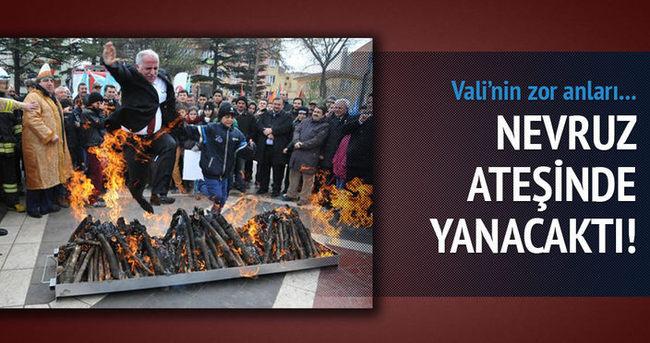 Eskişehir Valisi az daha Nevruz ateşinde yanacaktı