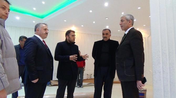 AK Parti Milletvekilleri Kan Alma Birimi Hzmet Binası Gezdi