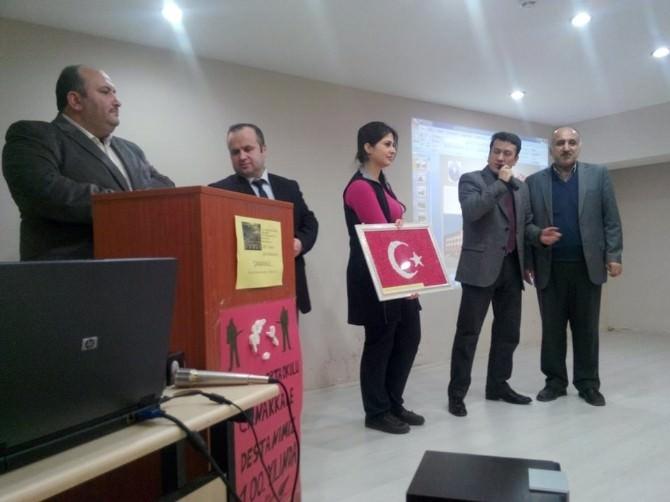 Aksoy Ortaokulundan Okul Müdürlerine Özel Hediye