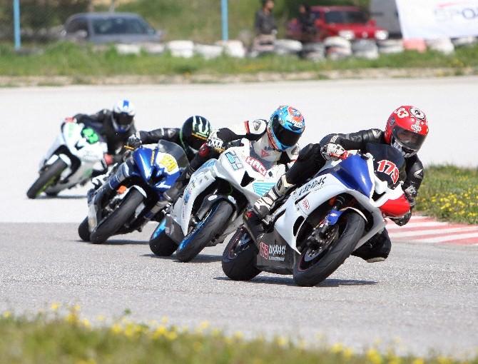 Motosikletçiler İzmir'de Nefesleri Kesti