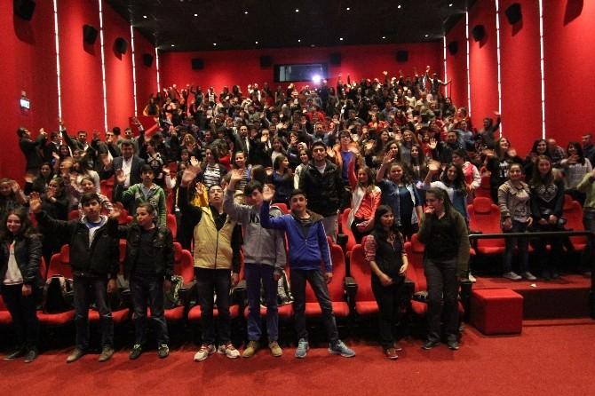 Başkan Soylu Gençlerle 'Son Mektup' Filmini İzledi