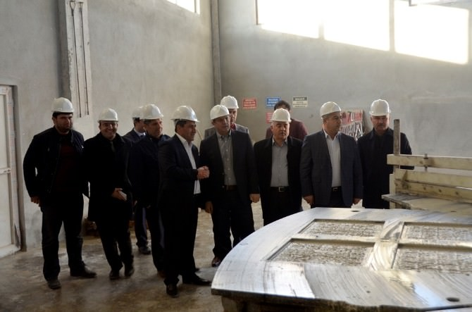 Vali Taşyapan Organize Sanayi Bölgesi'ni Gezdi