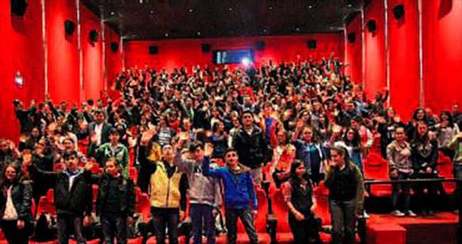 Son Mektup filmini 400 kişiye izlettirdi