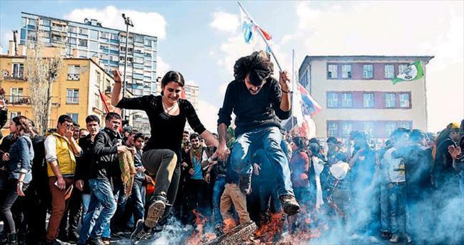 Kolej'de Nevruz'a yakışan kutlama