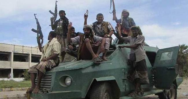 Yemen fiilen bölündü