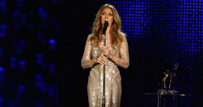 Celine Dion sahnelere dönüyor